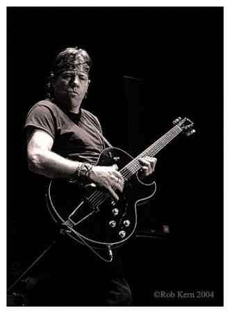George Thorogood & The Destoroyers клип Bad To The Bone Смотреть онлайн