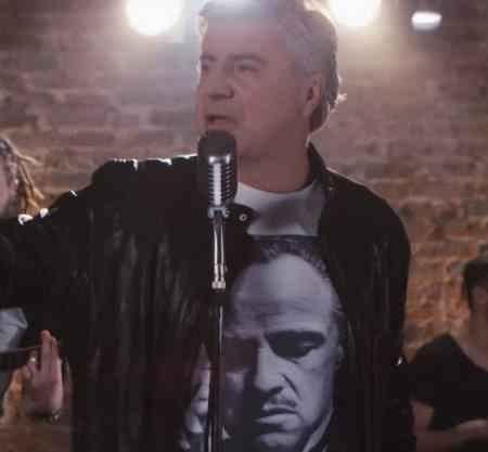 Смотреть видеоклипы с участием российского певца фото 385-374