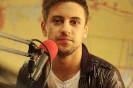 Смотреть видеоклипы с участием российского певца фото 385-757